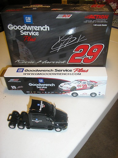 Harvick, Kevin #29 GM Goodwrench Service Plus 2001 1/64 Hauler